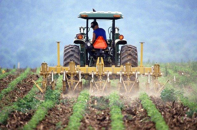 Riesgos Laborales en uso de tractores
