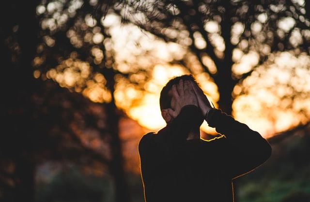 estrés , angustia psicologica, riesgos laborales