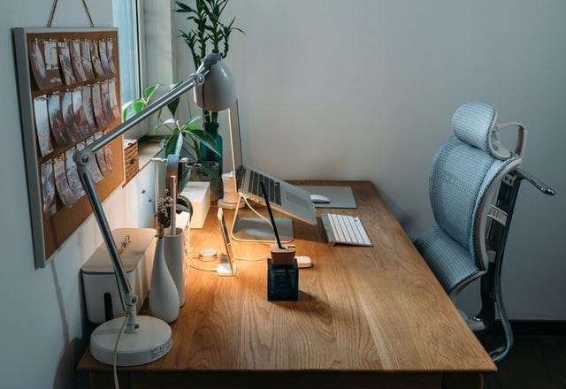 escritorio limpio prevención de riesgos laborales